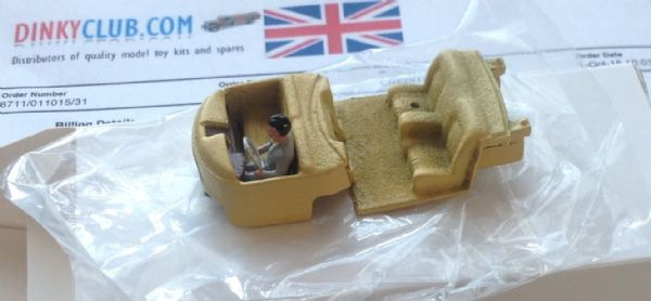 FRENCH DINKY TOYS 1435 CITROEN PRESIDENTIELLE ( Interior with driver and steering wheel )